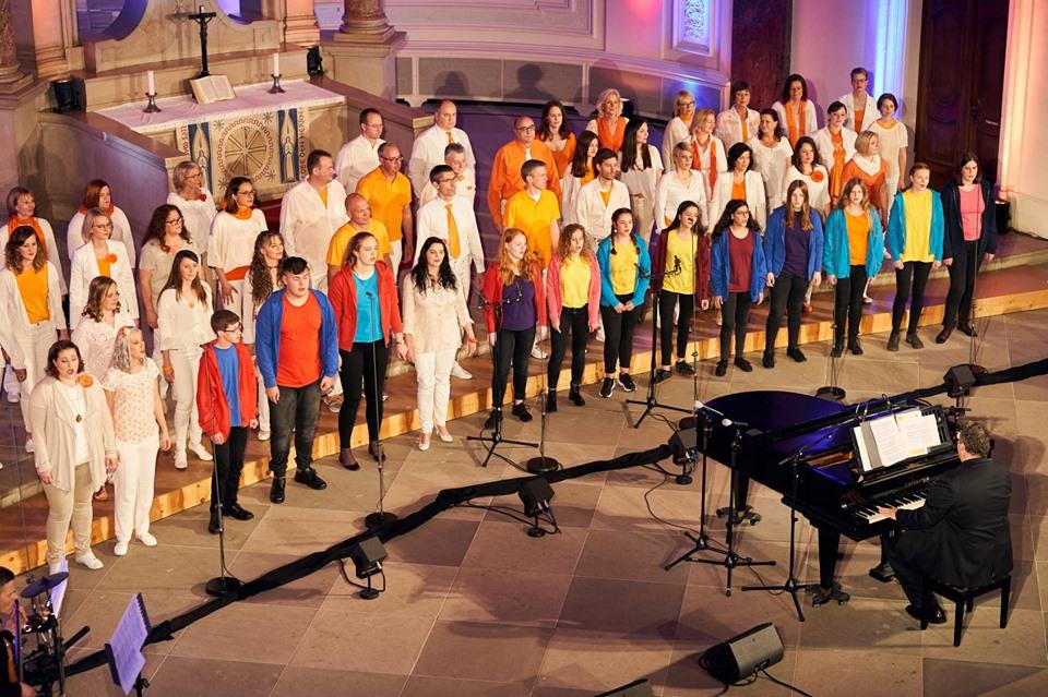 Jugendchor Crescendo beim Auftritt mit den Abendsternen und Starlights