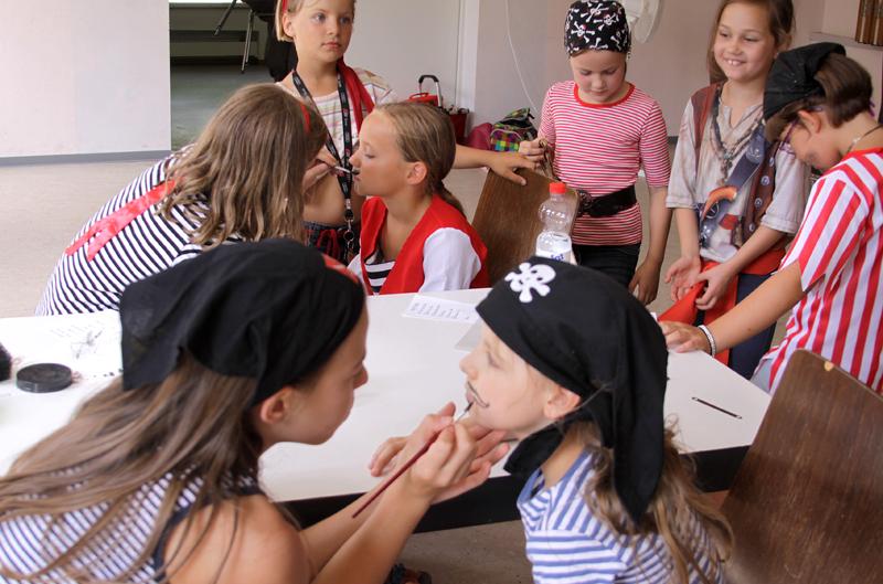 Kinderchor ChOhrwürmer beim Piratenmusical 2015
